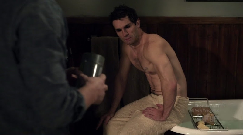 Sam Witwer Shirtless on Being Human s1e07