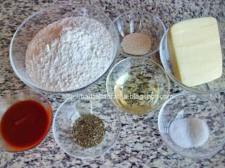 Pizza Margherita ingrediente blat sos topping
