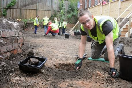 Archaeological dig in York searches for royal clues
