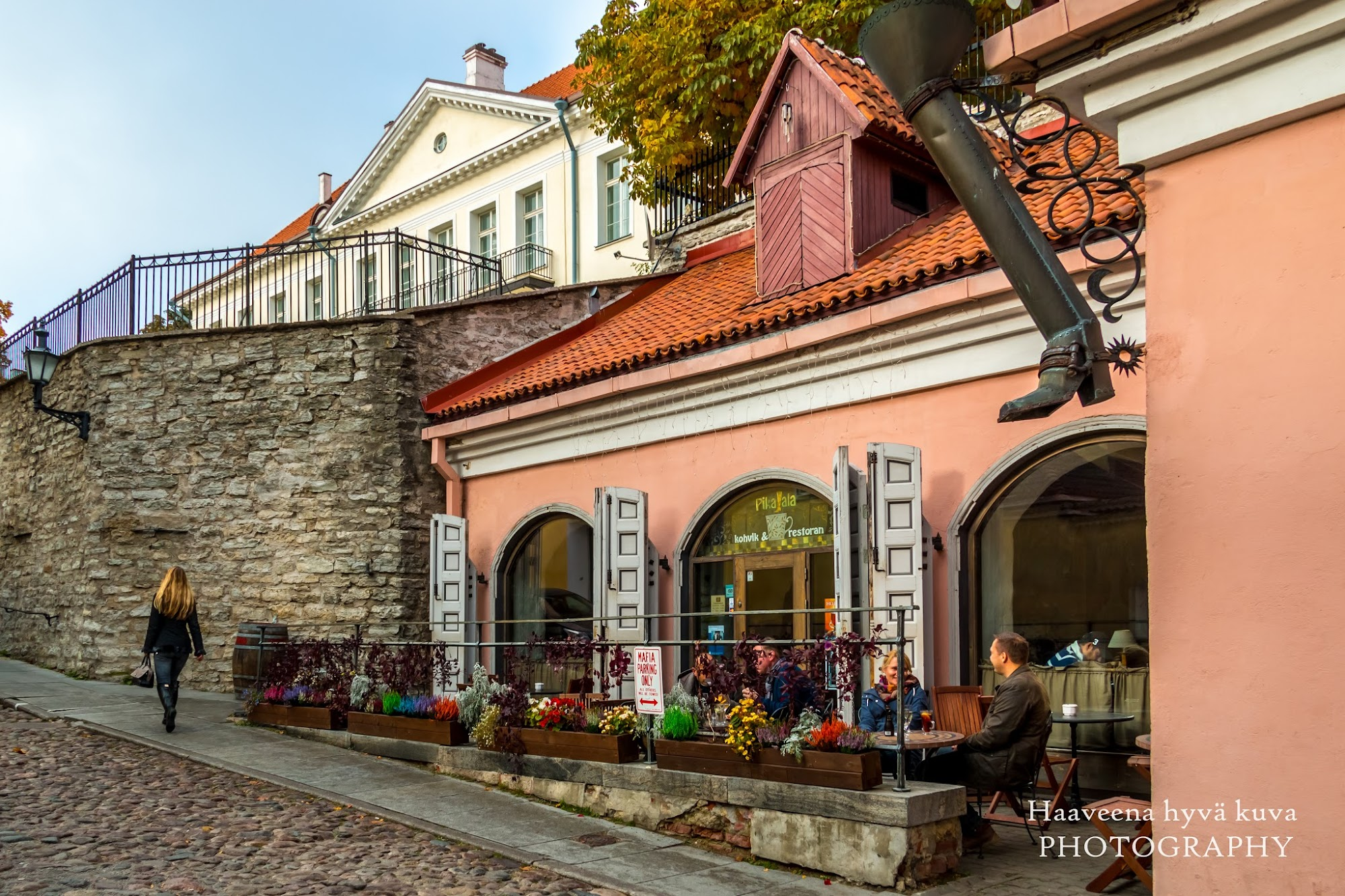 Laukut Tallinnasta : Haaveena hyv? kuva vanhassa kaupungissa