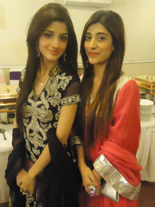 Hocane Hot Mawra Hocane Mawra Hussain Latest Image With Sister Urwa