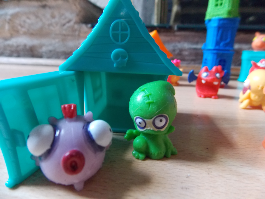 zombie fish and alien collection mini figures