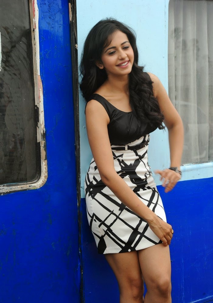 Hottest and sexiest gallery of tollywood's and bollywood's actresses rakul preet singh's upskirt sexy hd oops moments pics