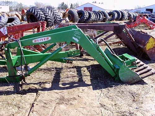 CP-1324 Oliver 1510 Loader for sale