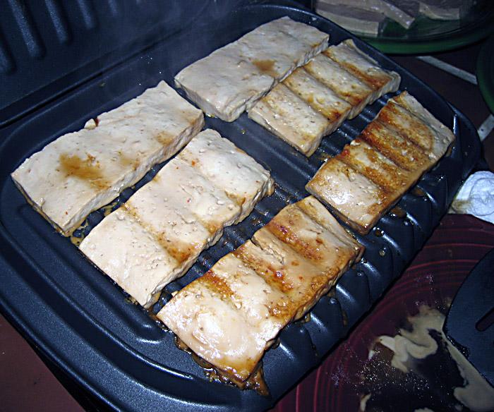 Andrea's Easy Vegan Cooking: Aaron's grilled tofu sandwich