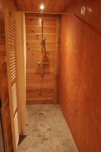 Строительство эко-дома из соломы. Лестница
