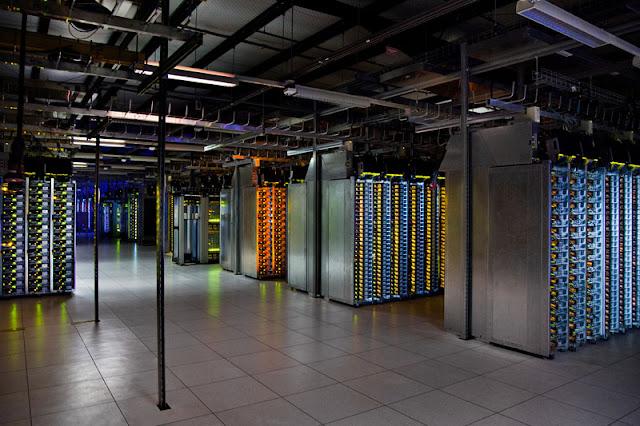 يخطر بالك تخزن غوغل بيانات