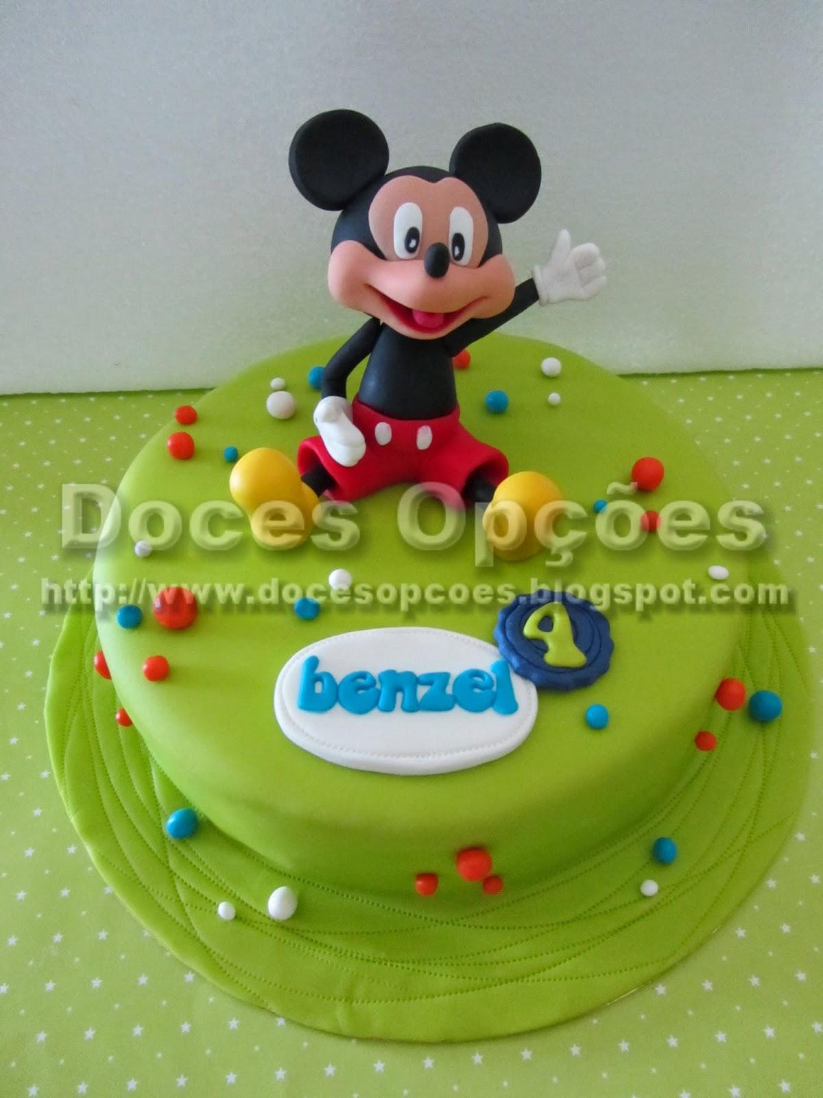 Bolo de aniversário com o Mickey Mouse