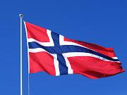 Norske flagg og nisseluer.
