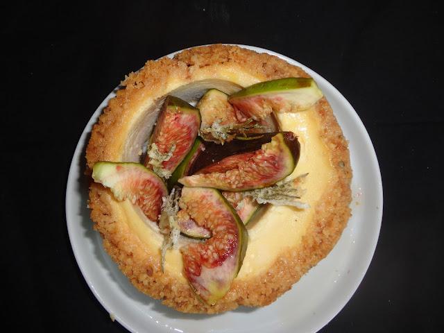 http://emancipations-culinaires.blogspot.com/2014/06/cheesecake-tomme-de-brebis-miel-thym.html