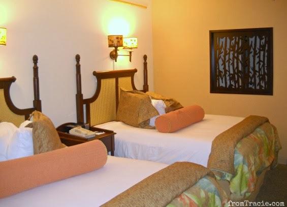Royal Pacific Queen Room