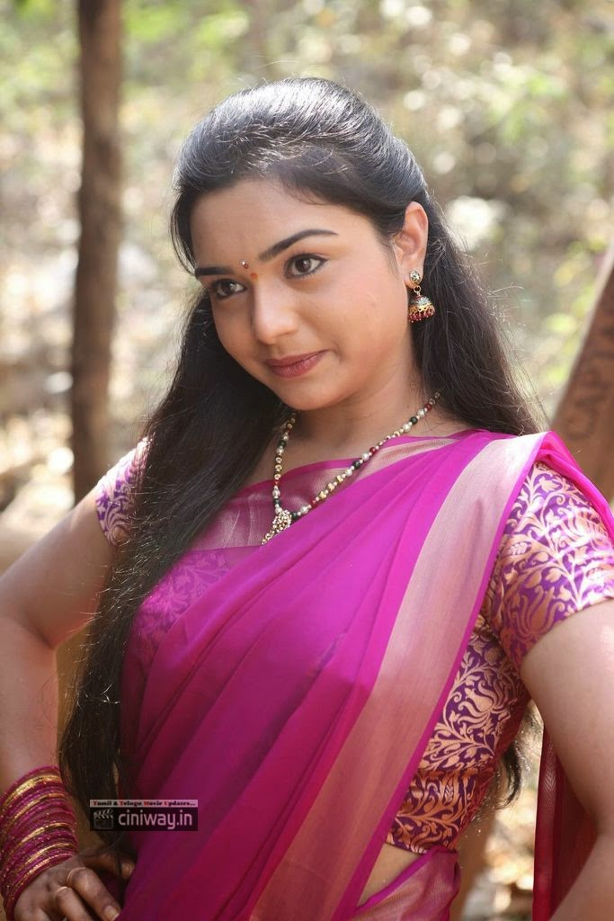 Yamini-New-Photo-Stills