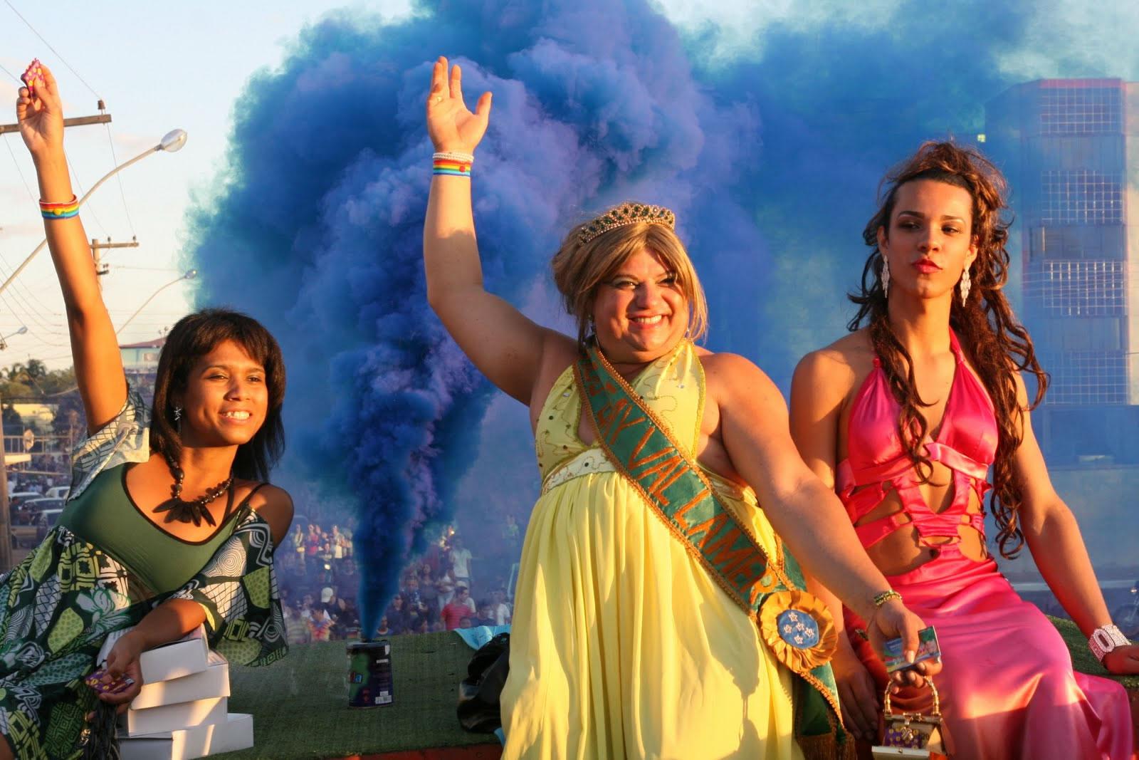 Em 2011, Parada do Orgulho LGBT de Caldas Novas reuniu cerca de 8 mil pessoas (Foto: Divulgação)