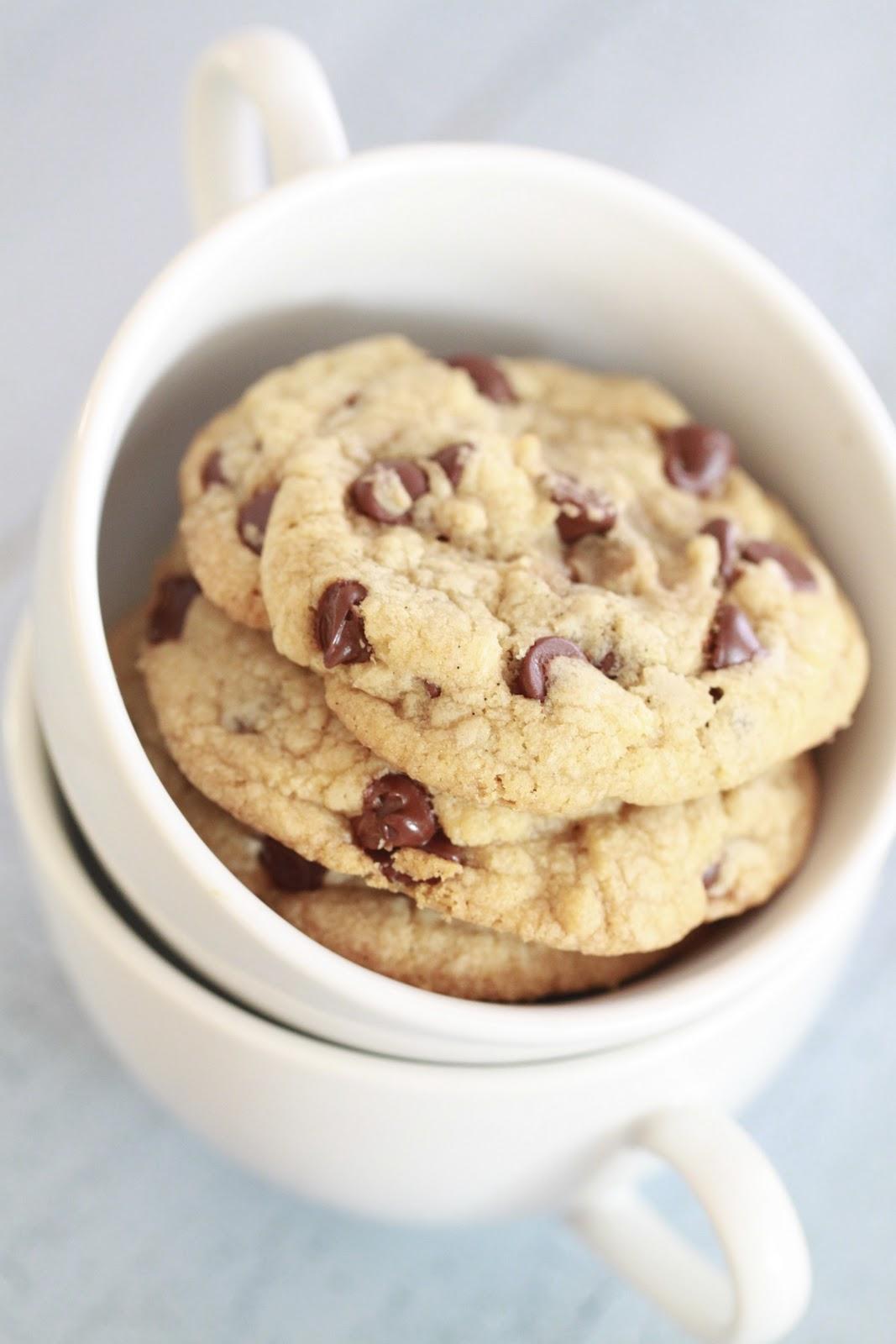 Epicurean Mom: Vanilla Bean Chocolate Chip Cookies