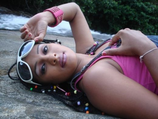 Deena Ediriwickramasooriya sexy photo