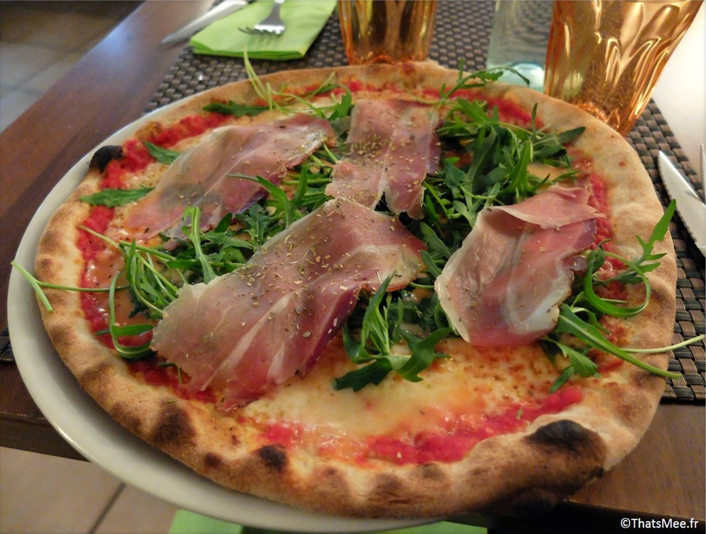 Pizza de l'Antica Trattoria italiana Fontainebleau restaurant  1 rue des Bouchers