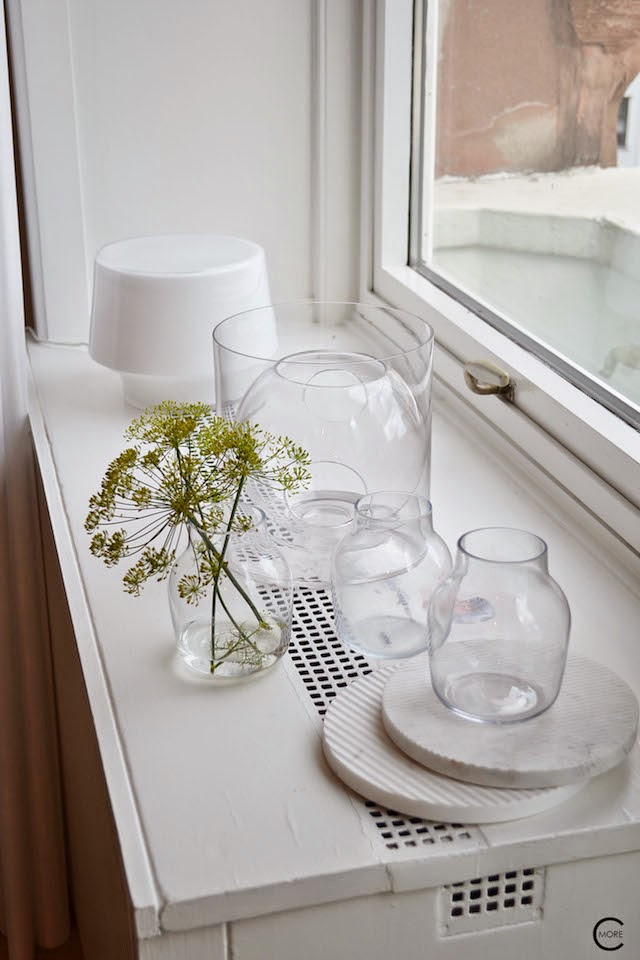 SILENT glass vase  | FOUR flower vase | Marble coasters | COSY in white lamp | Muuto at C-More interieuradvies.blogspot.nl