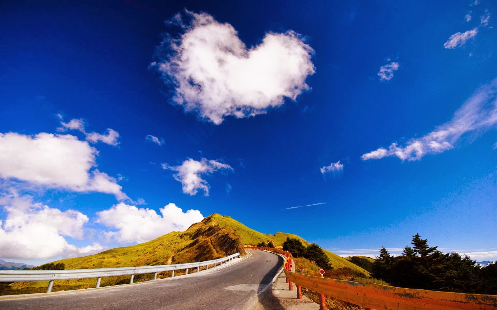 love-cloud-mountain-beautiful-nature-images-wallpapers