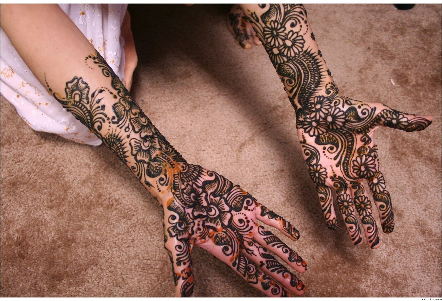 Arabic Mehndi Designs Girls 2013