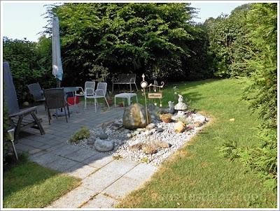 Grillplatz, Brunnen und Garten
