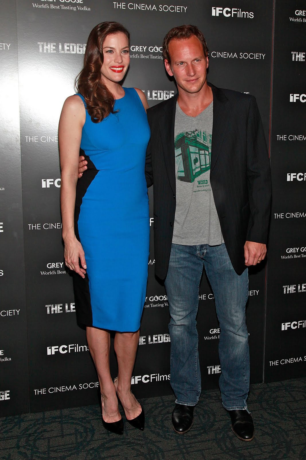 http://3.bp.blogspot.com/-hIS7x5Ow1uk/TkLXJk803-I/AAAAAAAAJfU/w6r0GEYxJ8Y/s1600/Liv_Tyler_attends_a_screening_of_The_Ledge_in_New_York_City_June_21_2011_092_123_387lo.jpg