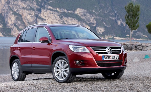Car Overview: 2013 Volkswagen Tiguan