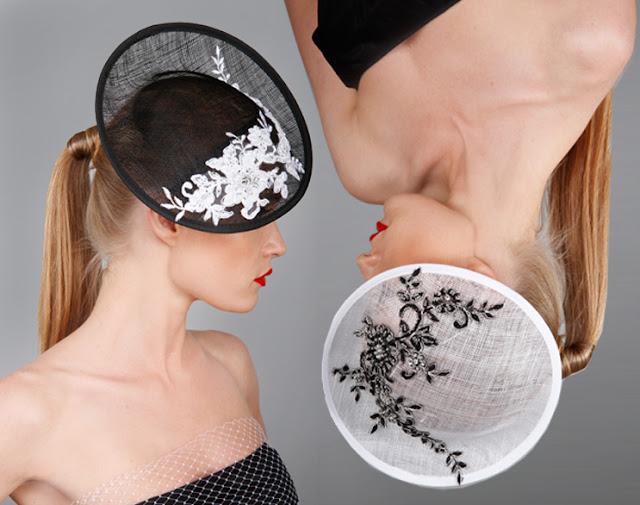 dwa kapelusze koktajlowe biało-czarne