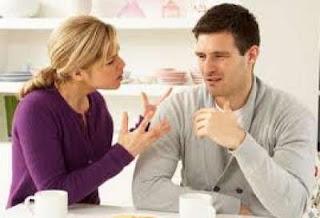 كيف تكشفين سرا يخبئه زوجك