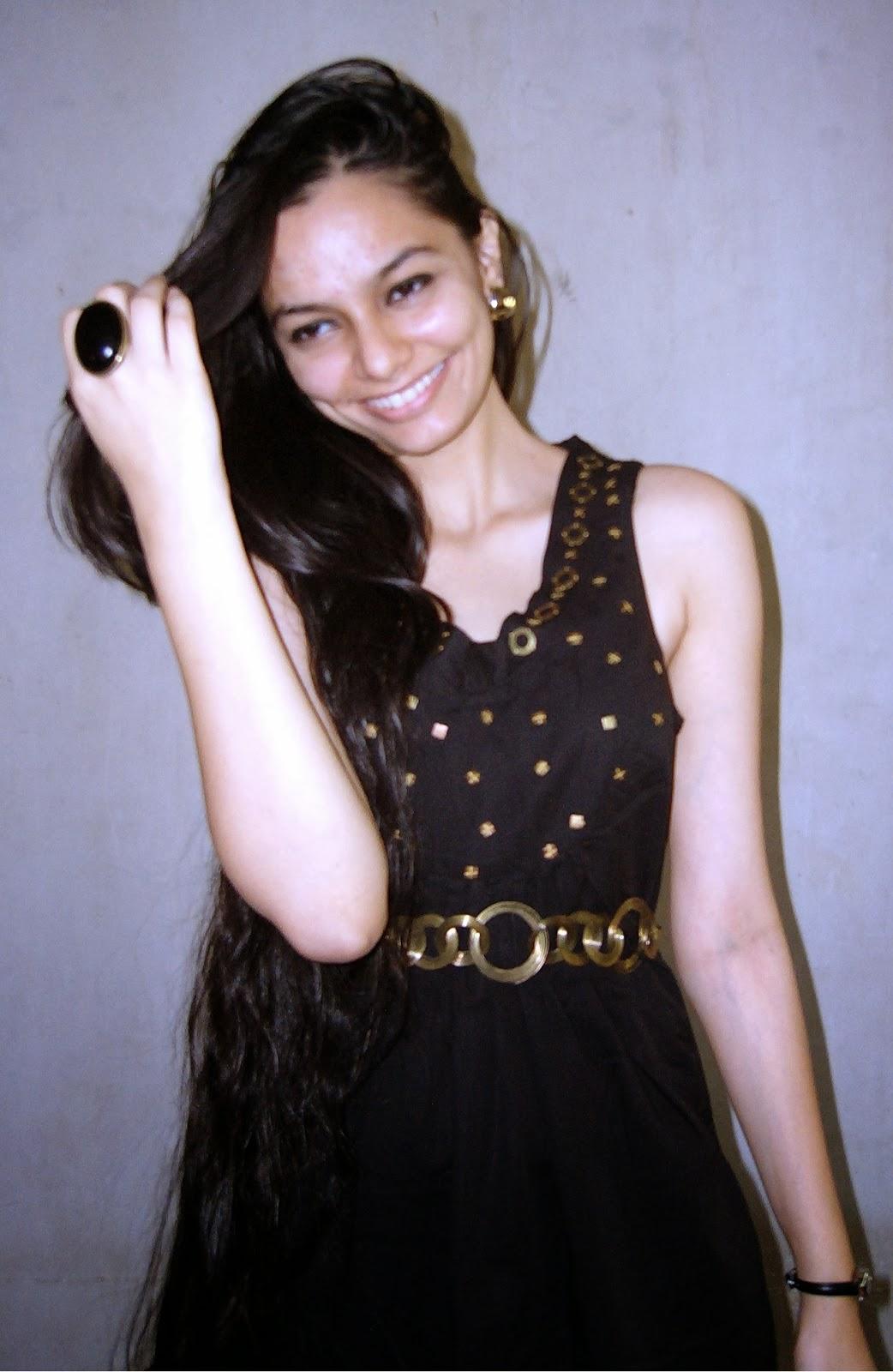 mumbai fashion blogger, mumbai streetstyle, desi, long hair, LBD