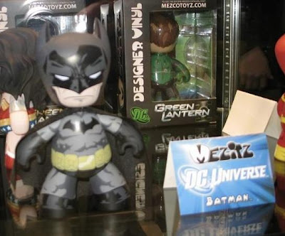 Black and Gray Batman DC Universe Mez-Itz Vinyl Figure by Mezco Toyz