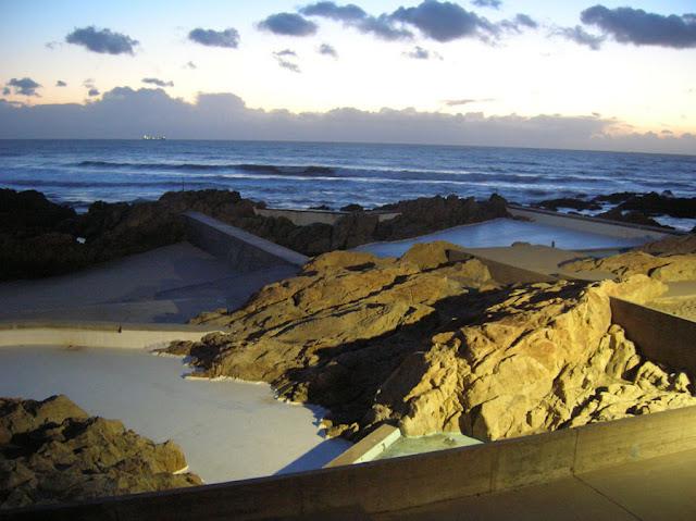 Piscinas naturales en le a da palmeira arquiscopio archivo for Portugal piscinas naturales