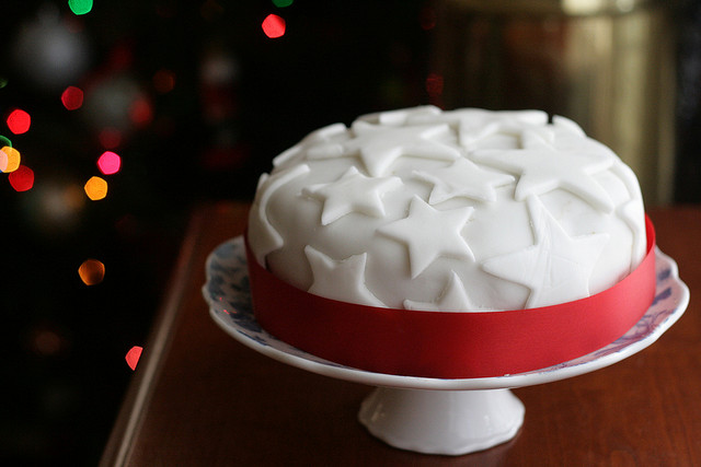 Merry Christmas Cake recipe and Decorations