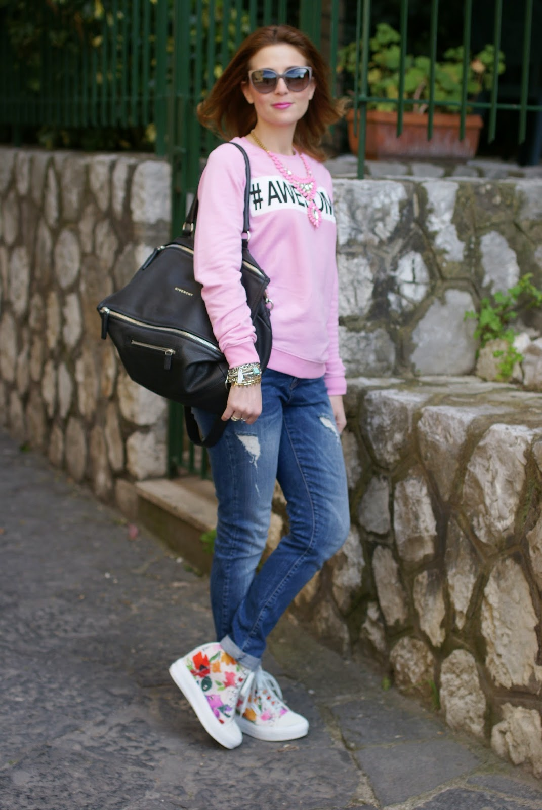 Awesome sweatshirt, Givenchy Pandora bag, Ruco Line Nicy sneakers, Fashion and Cookies, fashion blogger