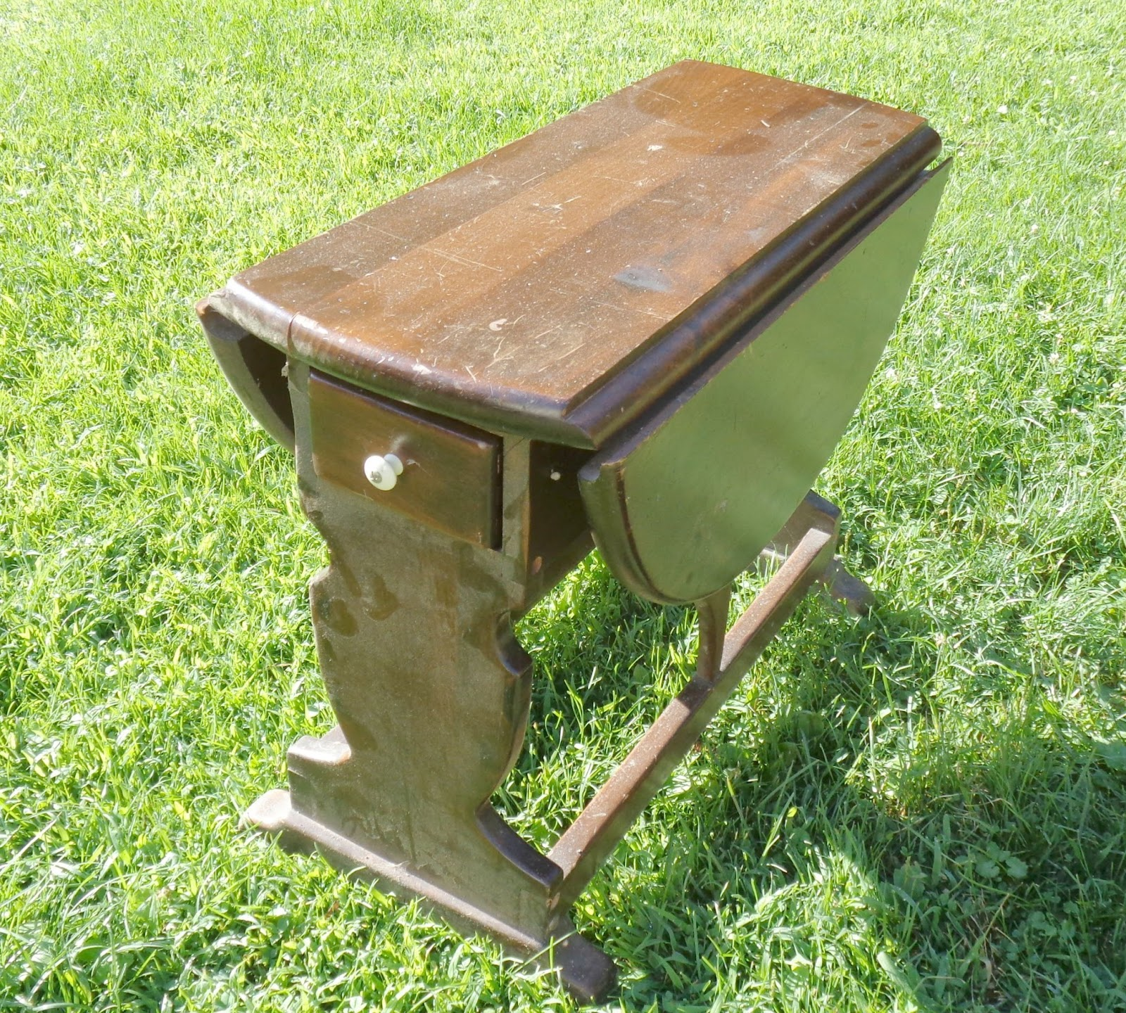 Refinish Ethan Allen Coffee Table: Updated Vintage Dropleaf Table