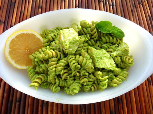 Cookin' Cowgirl: Pesto Pasta Salad with Chicken