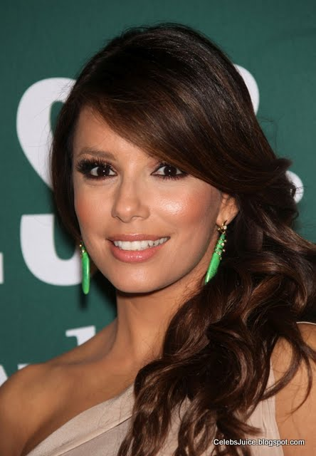 Eva Longoria - Barnes & Nobles in Los Angeles