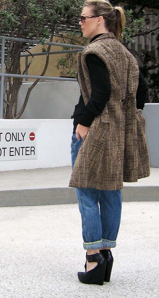 http://www.myhighheels.net/p/photo-gallery.html