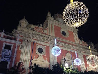 La iglesia del Salvador iluminada por Navidad, Sevilla.