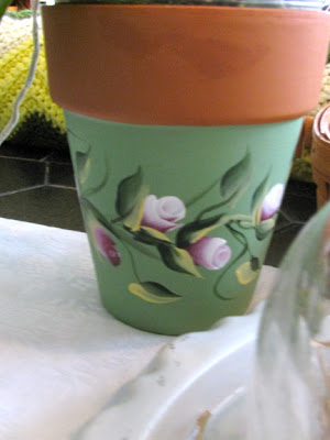 Painted Clay Pot Designs http://ritamay-days.blogspot.com/2012/03/wee-bit-o-green.html