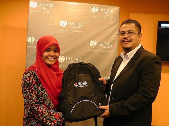 Najwa Latiff Kini Bergelar Pelajar Universiti UNITAR
