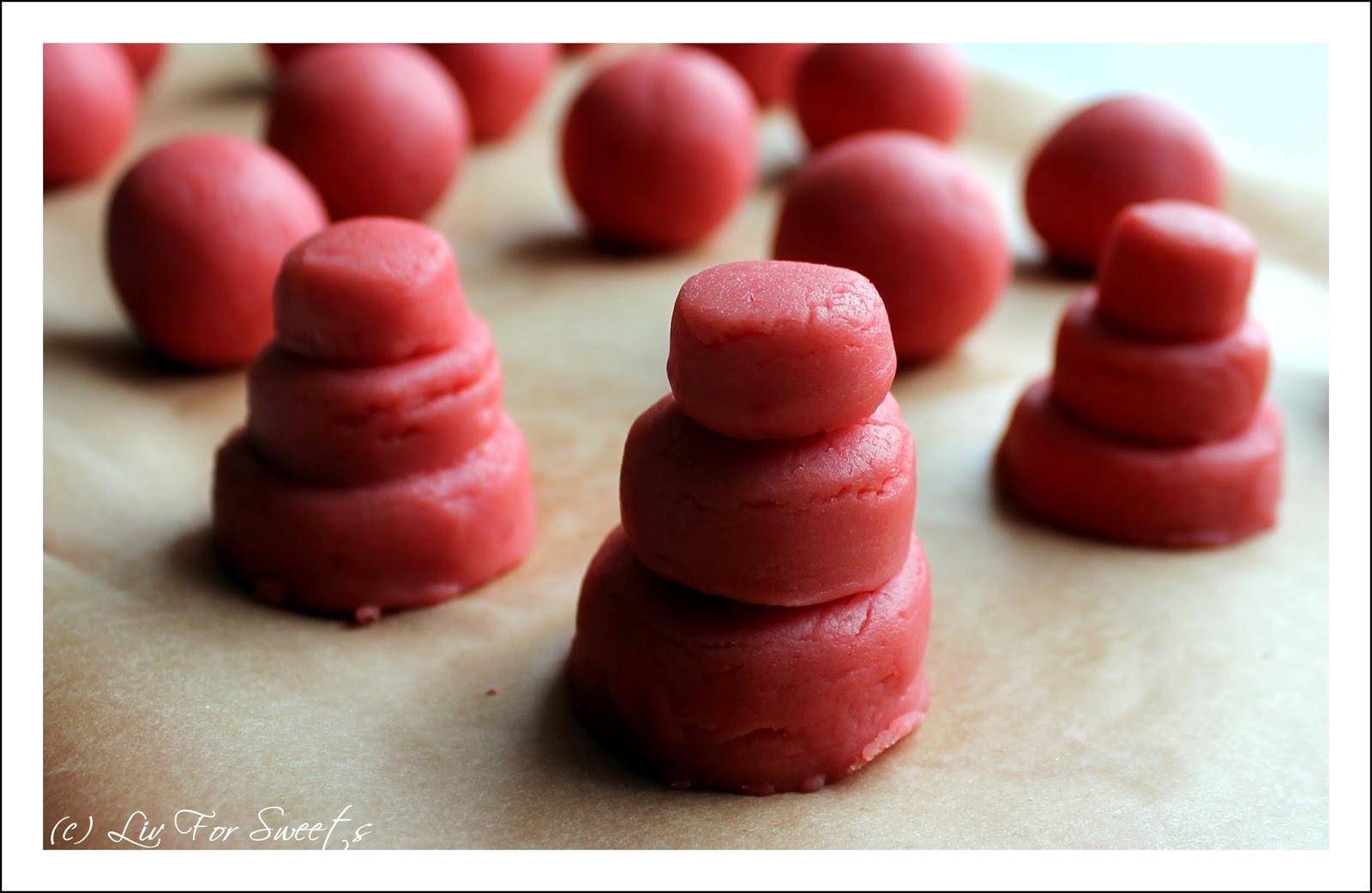 Cake-Pops in Form einer Hochzeitstorte mit Fondantblumen - Rezept für den Thermomix