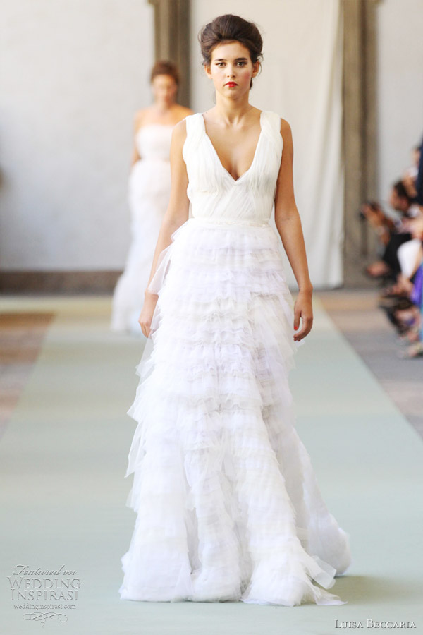 1001 fashion trends luisa beccaria spring summer 2012 for Ready to wear wedding dresses online