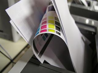 Membiarkan kertas yang tidak terpakai di printer