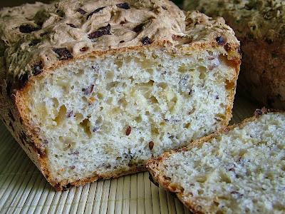 Chleb cebulowy z siemieniem lnianym