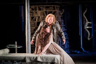 Carl Tanner, Sara Fulgoni - Samson et Dalila - Grange Park Opera - photo credit Robert Workman