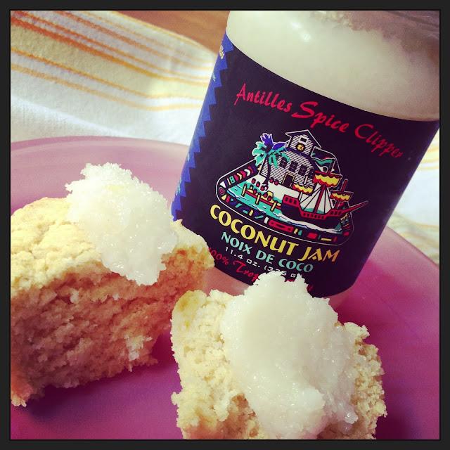 gluten-free vegan coconut-cornmeal muffins