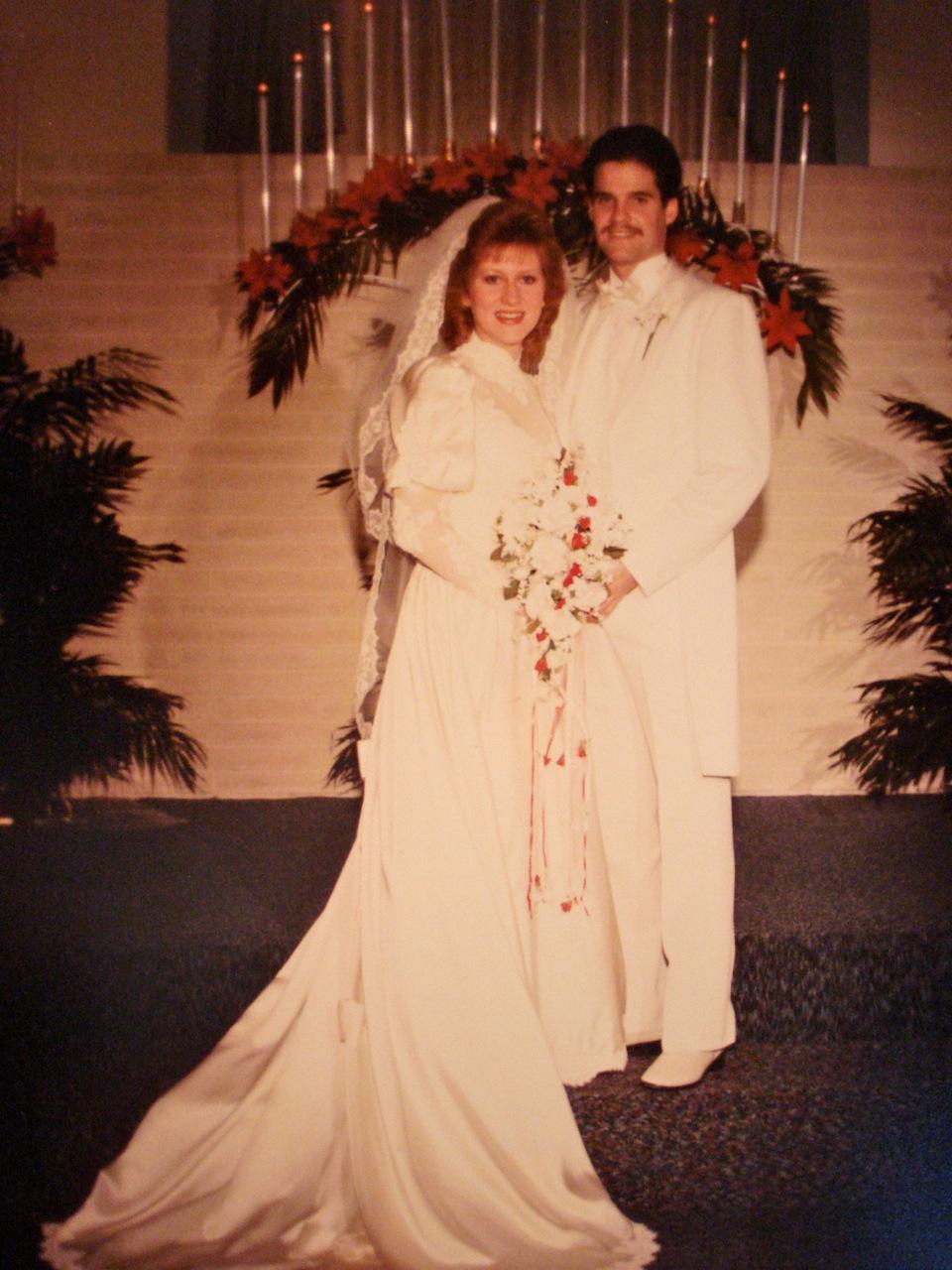 Beautiful brides tamera alexander rachel hauck for The wedding dress rachel hauck