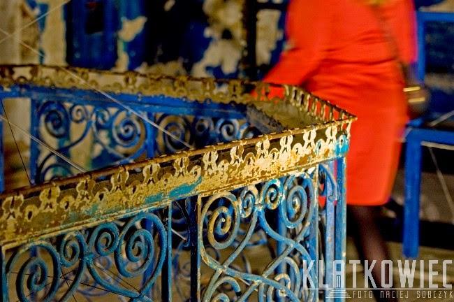 Łódź. Wnętrze willi Grohmana z ozdobną klatką schodową.