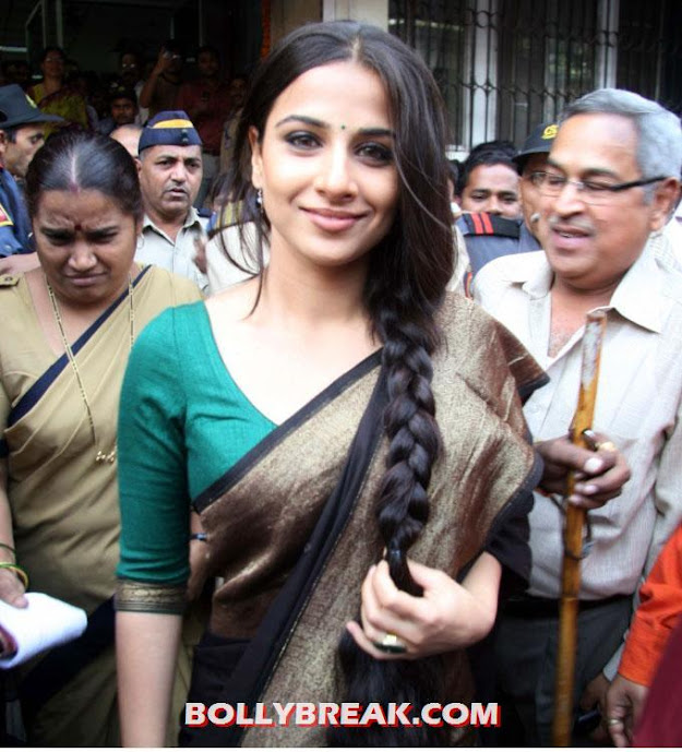 vidya balan holding her long braid in hand in a saree - Hot vidya balan latest Pic with a Long Braid