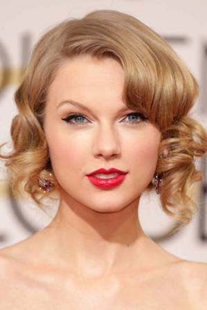 foto taylor swift di Golden Globes 2014